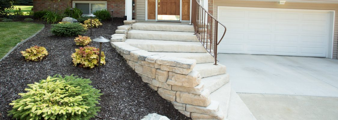 Dimensional Steps, Outcropping | Color: Sandstone